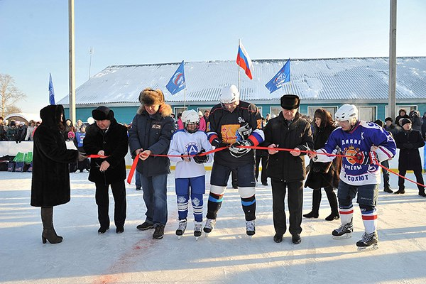 открытие хоккейной коробки_Зуевка